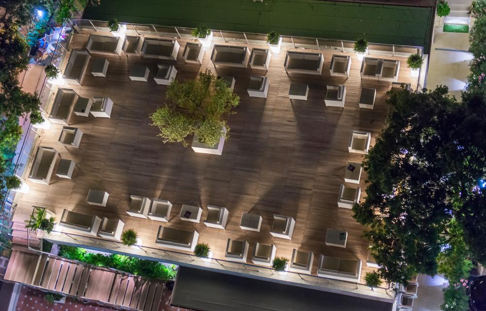 Brasserie chiar di luna hotel gambrinus tower resort - Giardino sul terrazzo ...